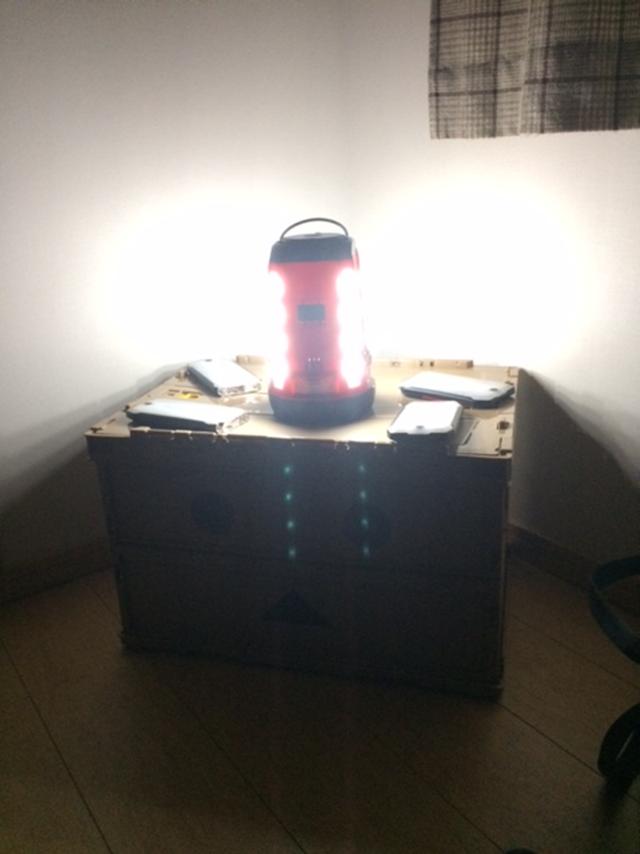 クアッドマルチパネルランタン本体のみ点灯状態