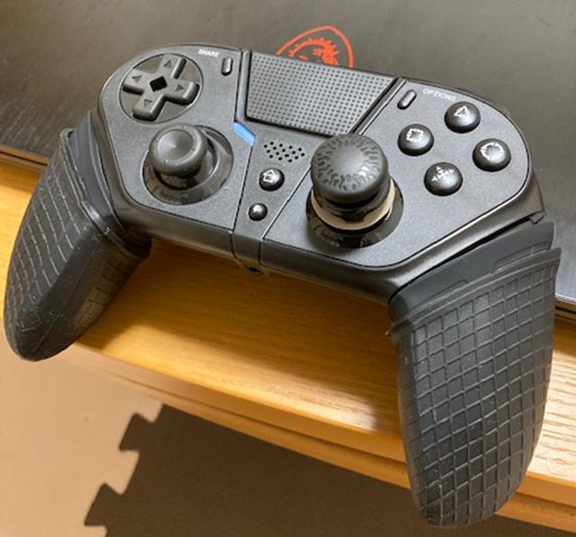 Dualschock風背面ボタン付きコントローラー